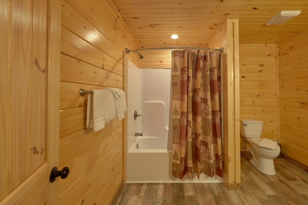 Photo of a Sevierville Cabin named Timber Woods Lodge - This is the tenth photo in the set.