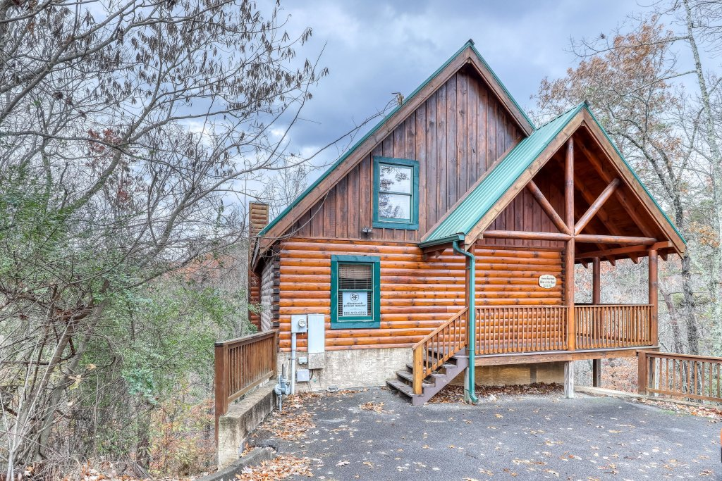 Photo of a Pigeon Forge Cabin named Affair Of The Heart - This is the twenty-sixth photo in the set.
