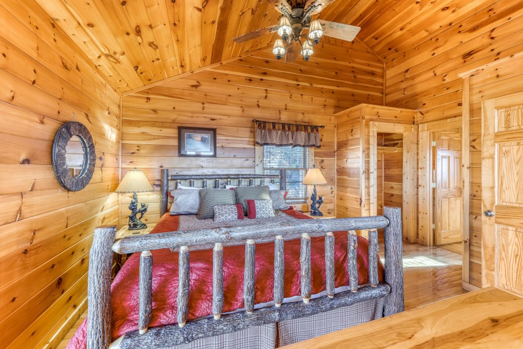 Photo of a Pigeon Forge Cabin named Panoramic Point - This is the seventeenth photo in the set.