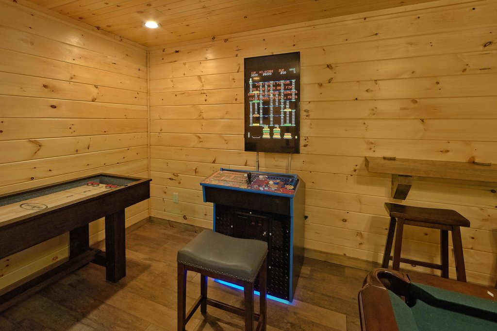 Photo of a Sevierville Cabin named Timber Woods Lodge - This is the twenty-fourth photo in the set.