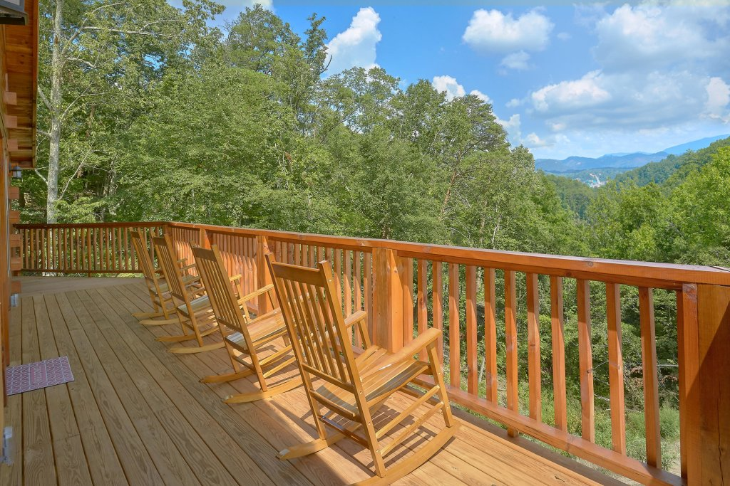 Photo of a Sevierville Cabin named Timber Woods Lodge - This is the first photo in the set.