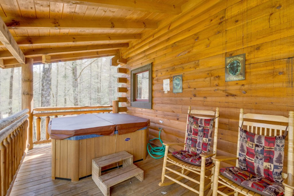 Photo of a Sevierville Cabin named Tennessee Treasure - This is the forty-third photo in the set.