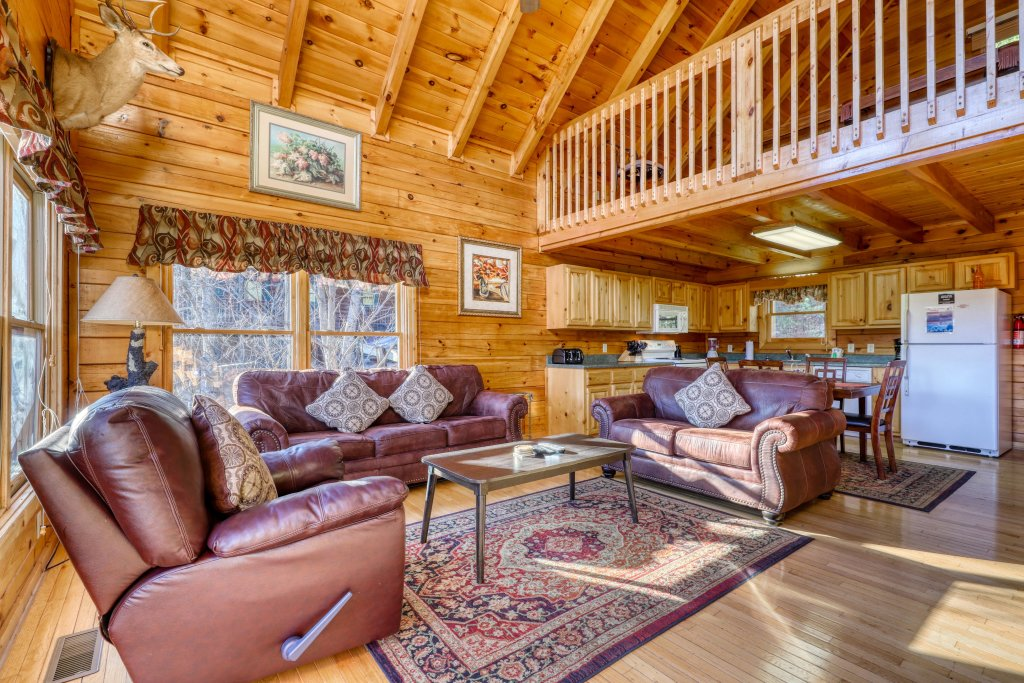 Photo of a Pigeon Forge Cabin named Moonlight Retreat - This is the sixteenth photo in the set.