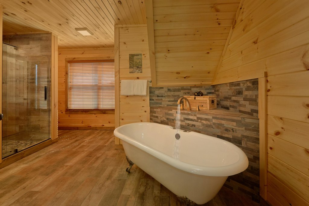 Photo of a Sevierville Cabin named Timber Woods Lodge - This is the fourteenth photo in the set.