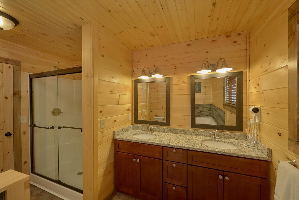 Photo of a Sevierville Cabin named Timber Woods Lodge - This is the nineteenth photo in the set.