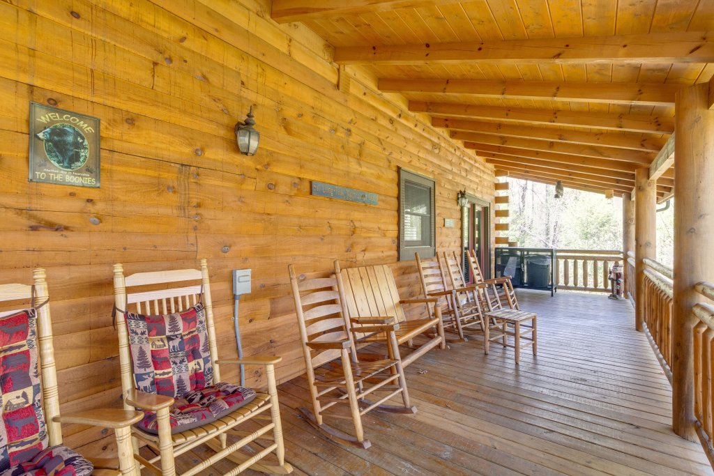 Photo of a Sevierville Cabin named Tennessee Treasure - This is the forty-second photo in the set.