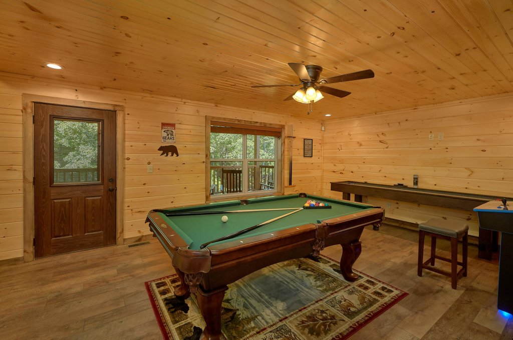 Photo of a Sevierville Cabin named Timber Woods Lodge - This is the twenty-fifth photo in the set.