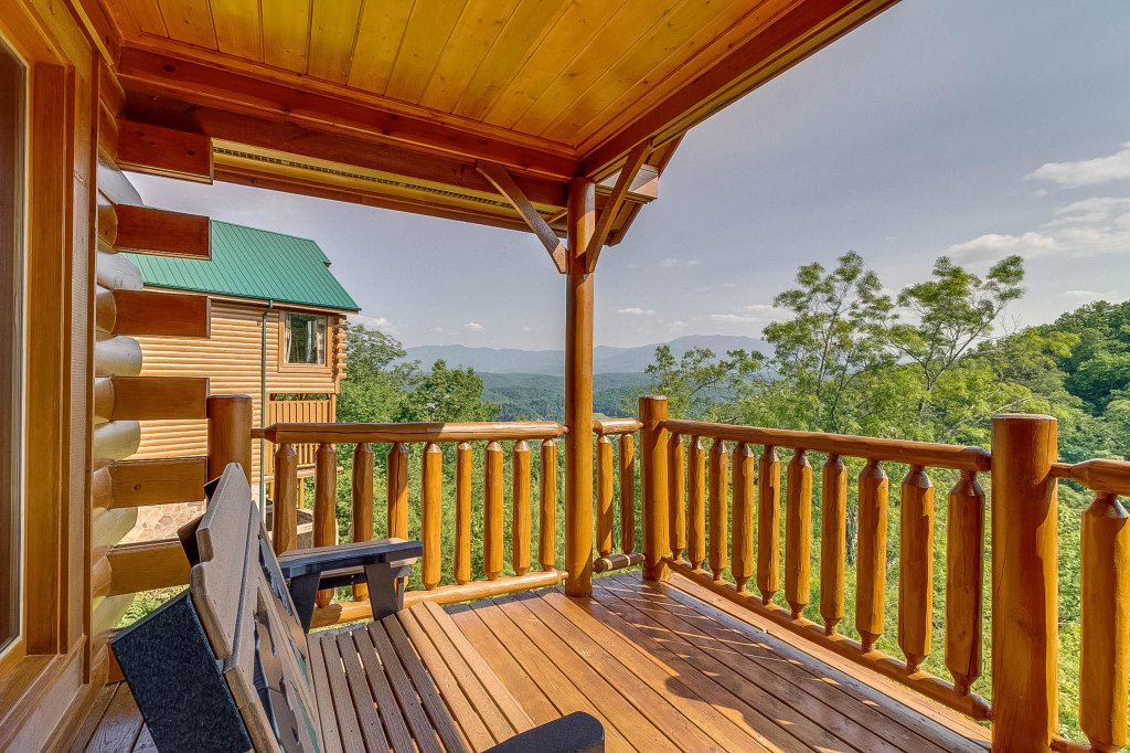 Photo of a Pigeon Forge Cabin named View Of Paradise - This is the seventh photo in the set.