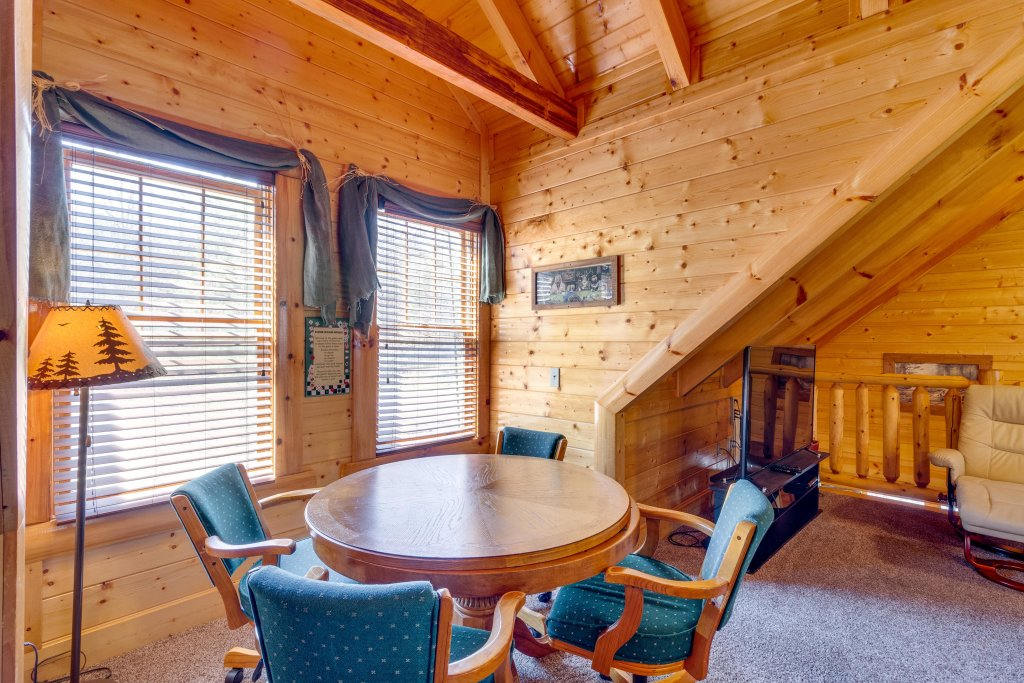Photo of a Sevierville Cabin named Tennessee Treasure - This is the eighth photo in the set.