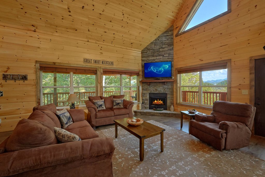 Photo of a Sevierville Cabin named Timber Woods Lodge - This is the fourth photo in the set.