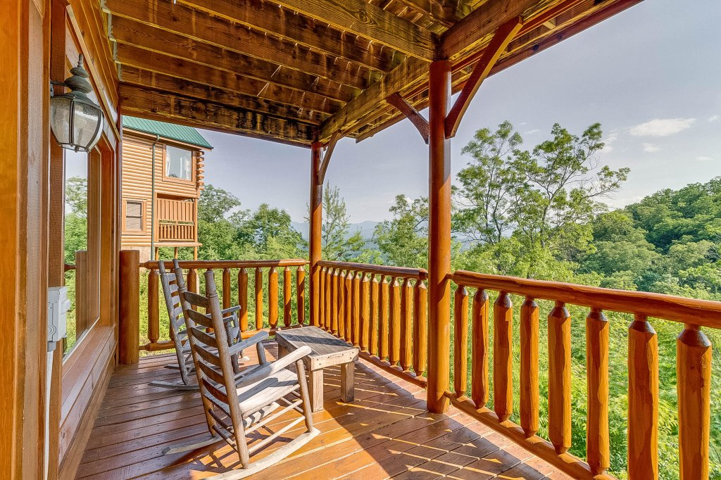Photo of a Pigeon Forge Cabin named View Of Paradise - This is the twenty-seventh photo in the set.