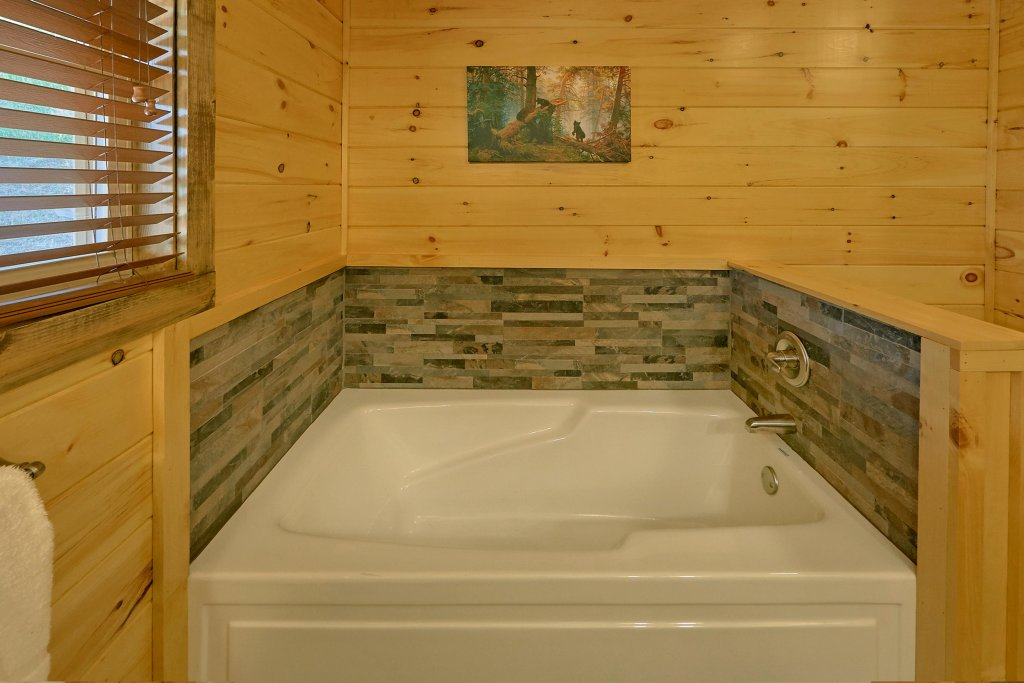 Photo of a Sevierville Cabin named Timber Woods Lodge - This is the twentieth photo in the set.