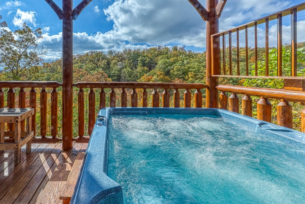 Photo of a Pigeon Forge Cabin named View Of Paradise - This is the twenty-sixth photo in the set.