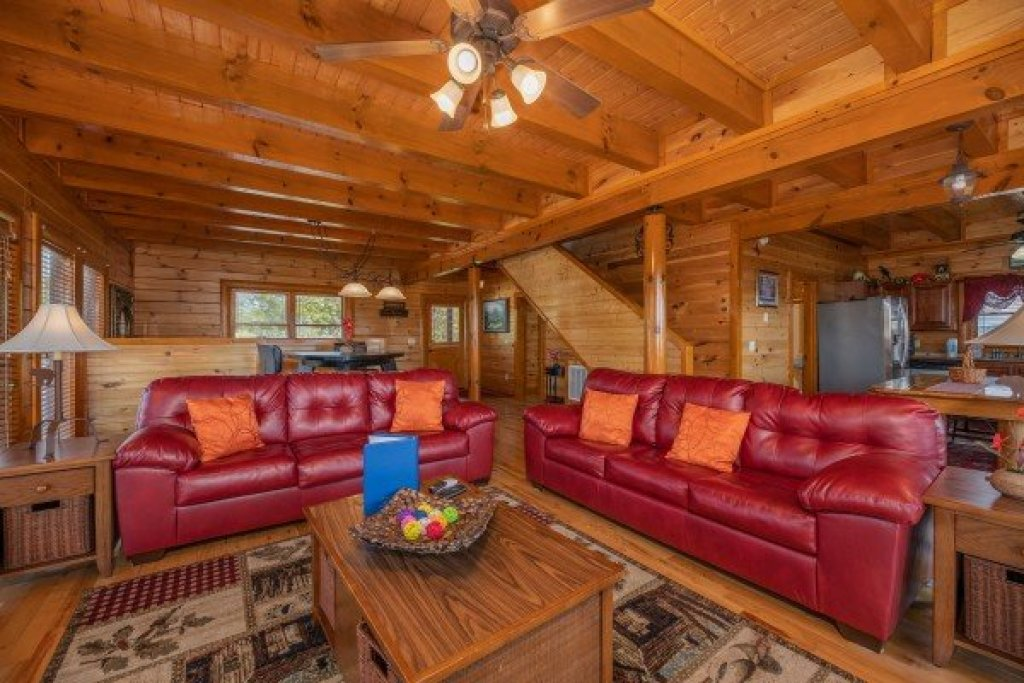 Photo of a Sevierville Cabin named Galaxy Splash - This is the fifth photo in the set.