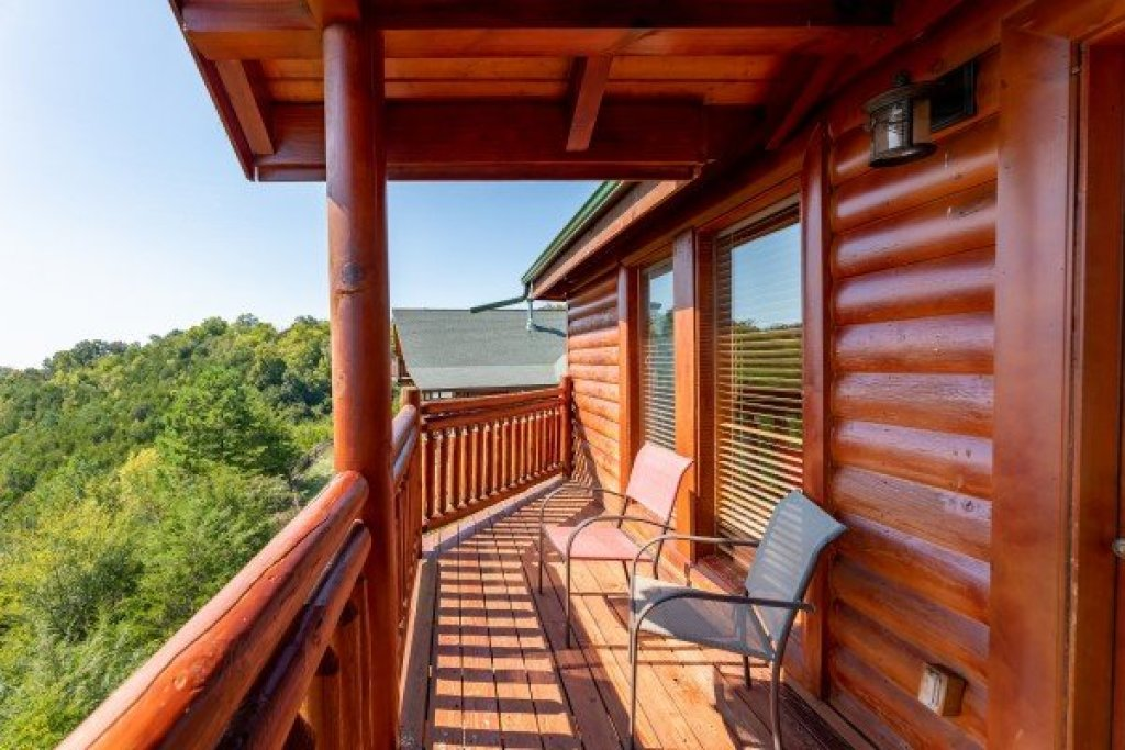 Photo of a Sevierville Cabin named Galaxy Splash - This is the thirty-first photo in the set.