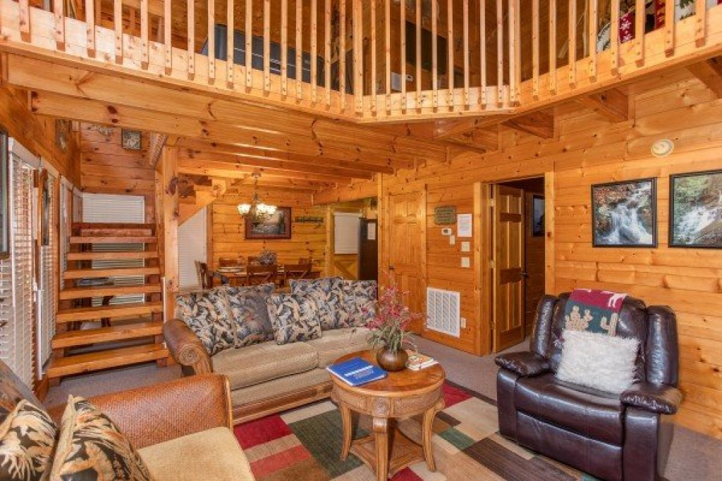 Photo of a Pigeon Forge Cabin named Smokey Max Cabin - This is the sixth photo in the set.