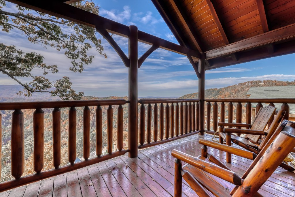 Photo of a Sevierville Cabin named Black Bear Overlook - This is the twelfth photo in the set.