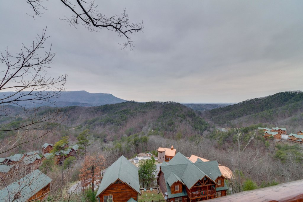 Photo of a Sevierville Cabin named Black Bear Overlook - This is the first photo in the set.