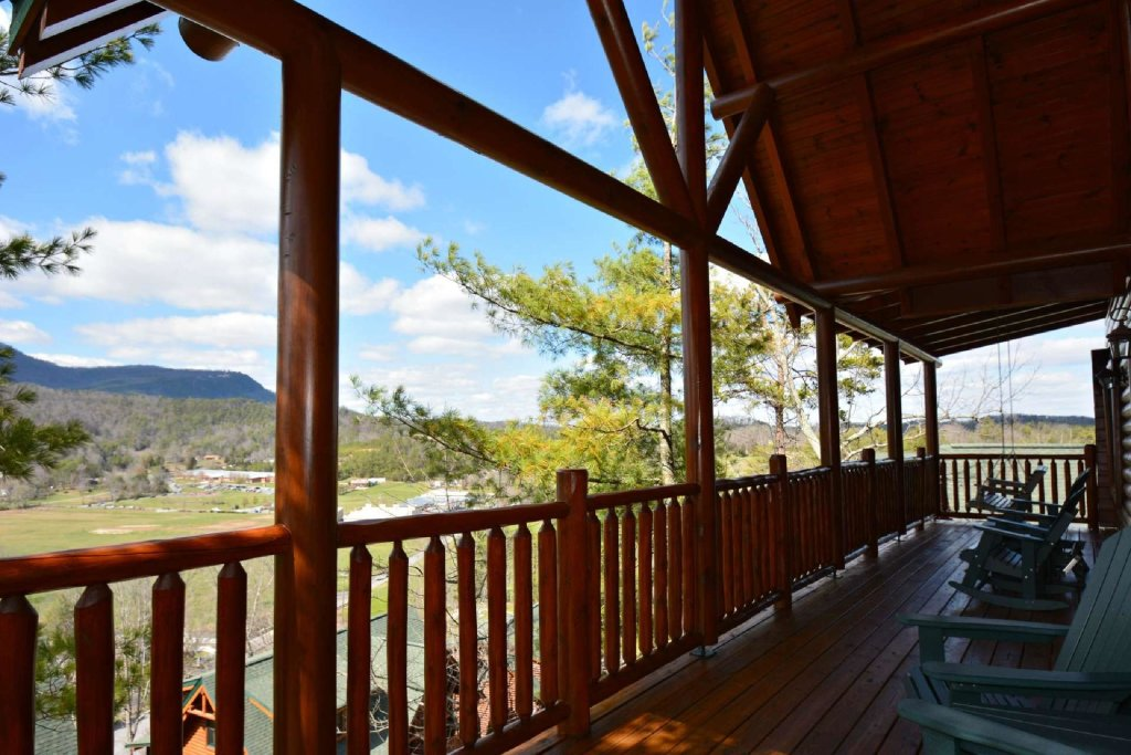 Photo of a Sevierville Cabin named Smoky Mountain Haven - This is the second photo in the set.