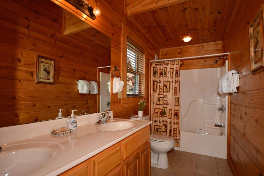 Photo of a Sevierville Cabin named Smoky Mountain Haven - This is the seventeenth photo in the set.
