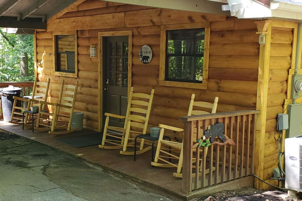 Photo of a Sevierville Cabin named Black Bear Paws - This is the eighth photo in the set.