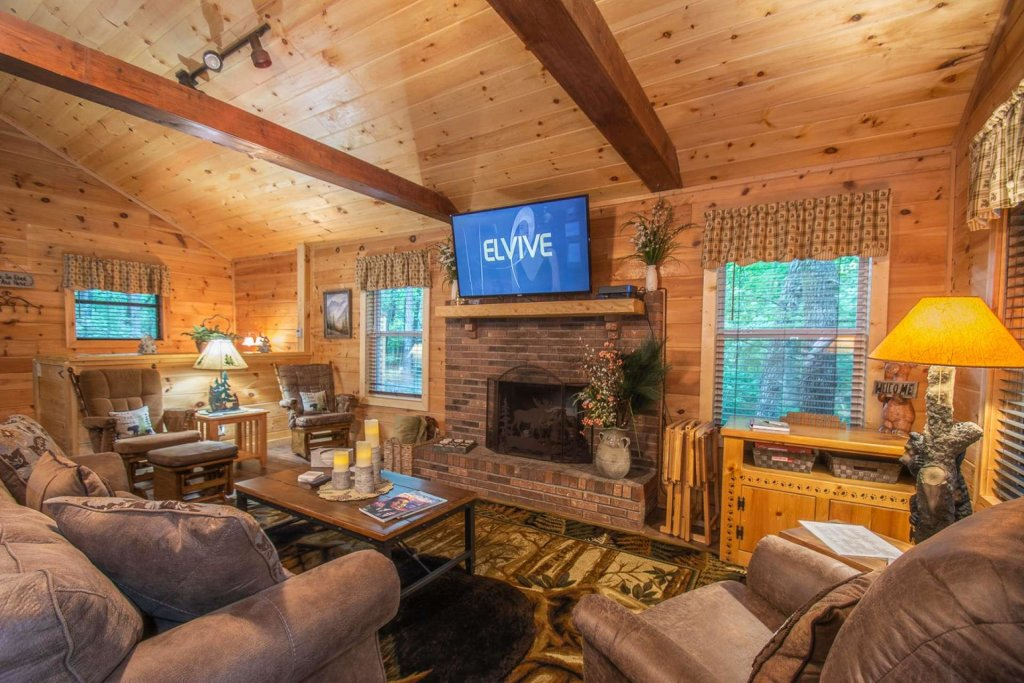 Photo of a Sevierville Cabin named Black Bear Paws - This is the fourth photo in the set.
