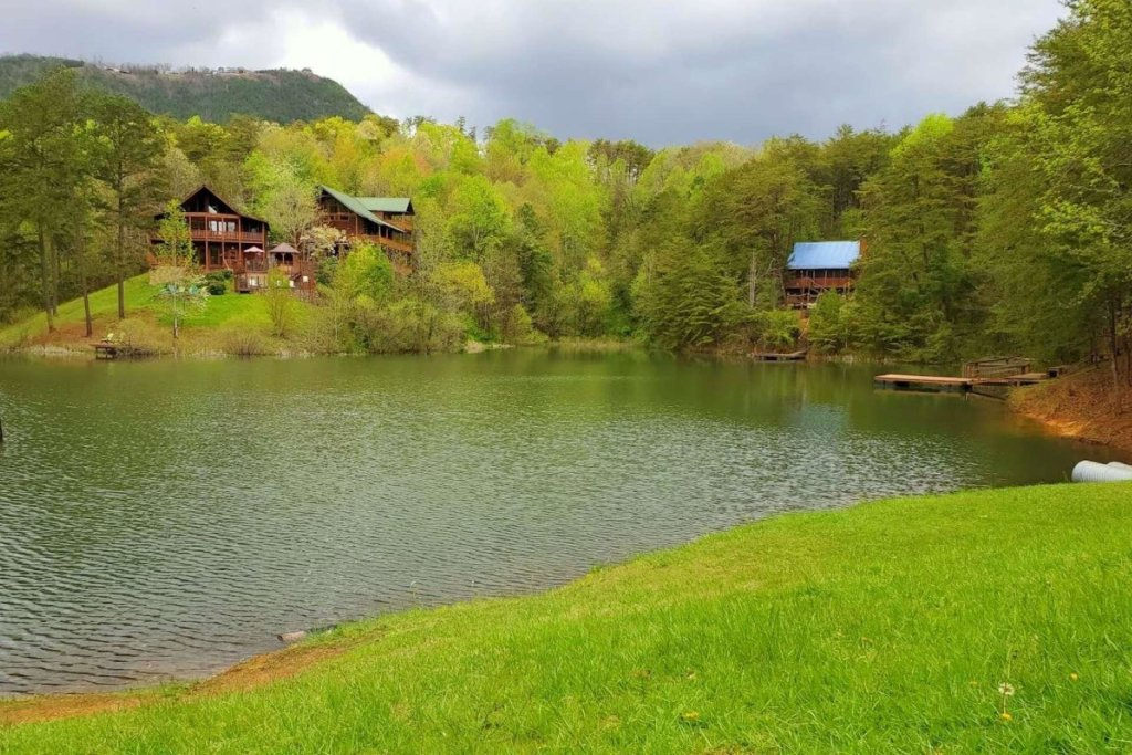 Photo of a Sevierville Cabin named Black Bear Paws - This is the twenty-first photo in the set.