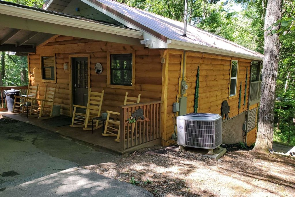 Photo of a Sevierville Cabin named Black Bear Paws - This is the twenty-third photo in the set.