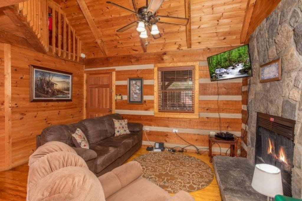 Photo of a Sevierville Cabin named Fishin' & Wishin' - This is the fifth photo in the set.