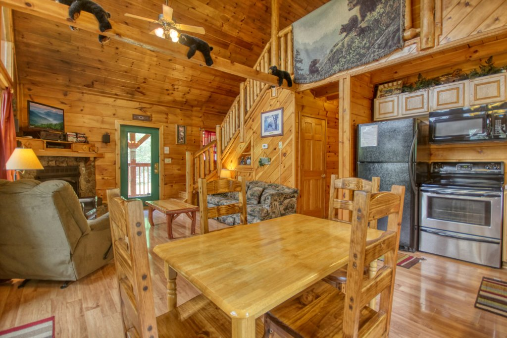 Photo of a Pigeon Forge Cabin named Wow !! What A Cabin #255 - This is the tenth photo in the set.