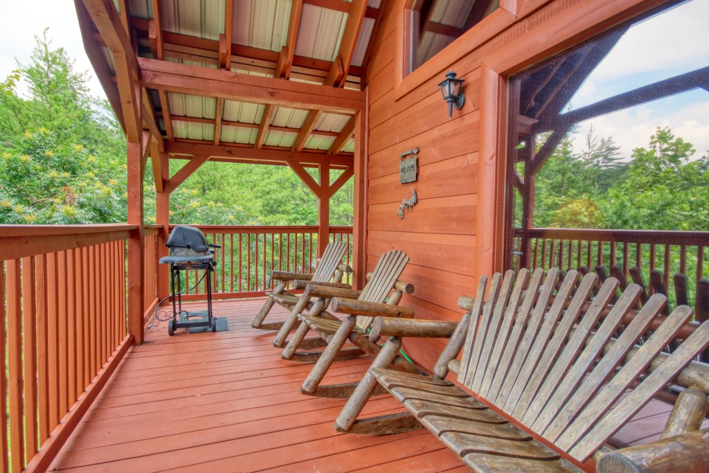 Photo of a Pigeon Forge Cabin named Wow !! What A Cabin #255 - This is the sixth photo in the set.