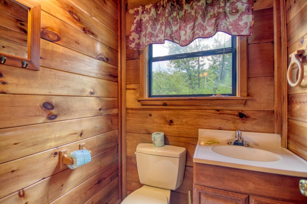 Photo of a Pigeon Forge Cabin named Wow !! What A Cabin #255 - This is the twenty-third photo in the set.