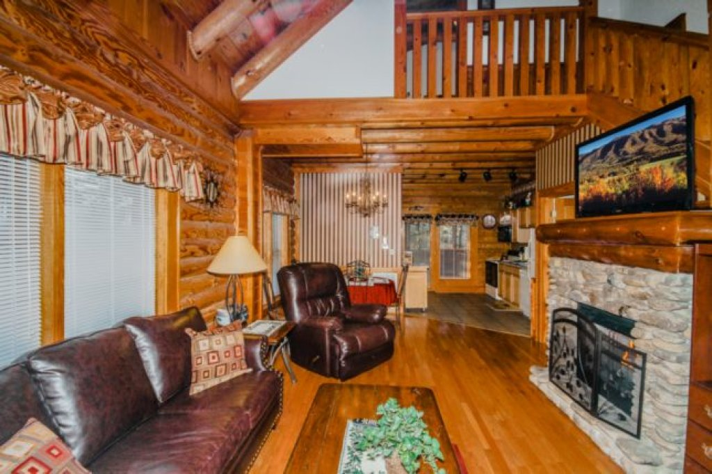 Photo of a Pigeon Forge Cabin named 735a Golf View Cabins Smokies Den - This is the first photo in the set.