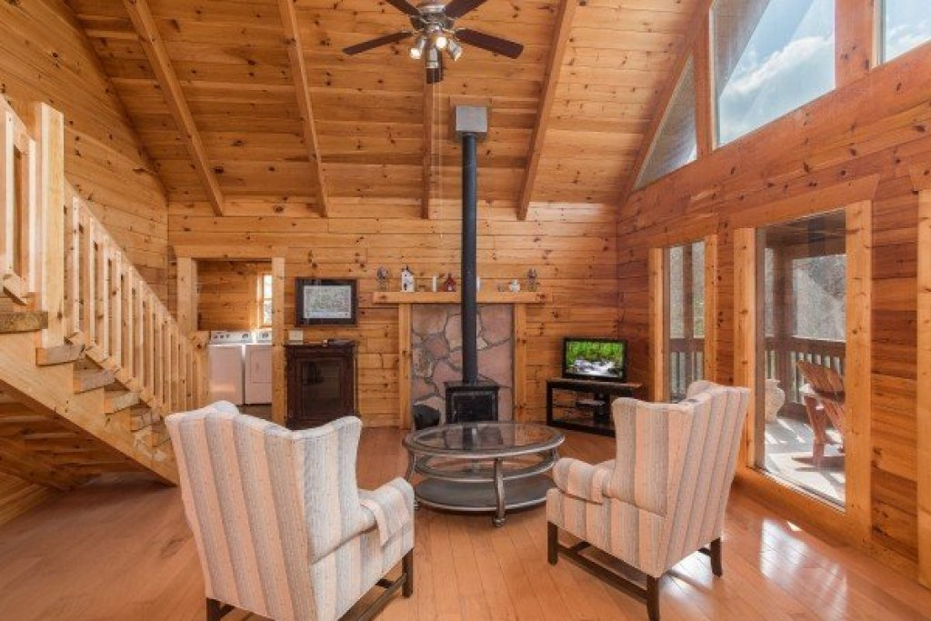 Photo of a Pigeon Forge Cabin named Leconte View Lodge - This is the seventh photo in the set.