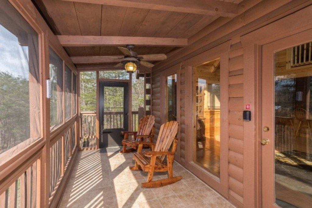 Photo of a Pigeon Forge Cabin named Leconte View Lodge - This is the twenty-second photo in the set.