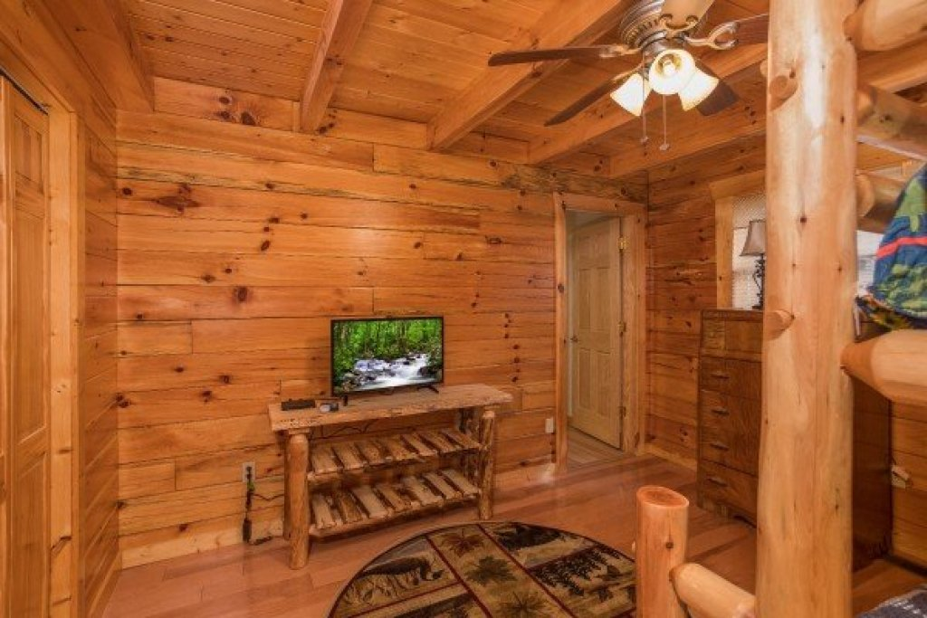 Photo of a Pigeon Forge Cabin named Leconte View Lodge - This is the eleventh photo in the set.