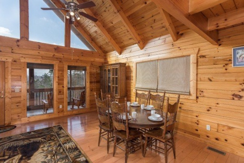 Photo of a Pigeon Forge Cabin named Leconte View Lodge - This is the eighth photo in the set.
