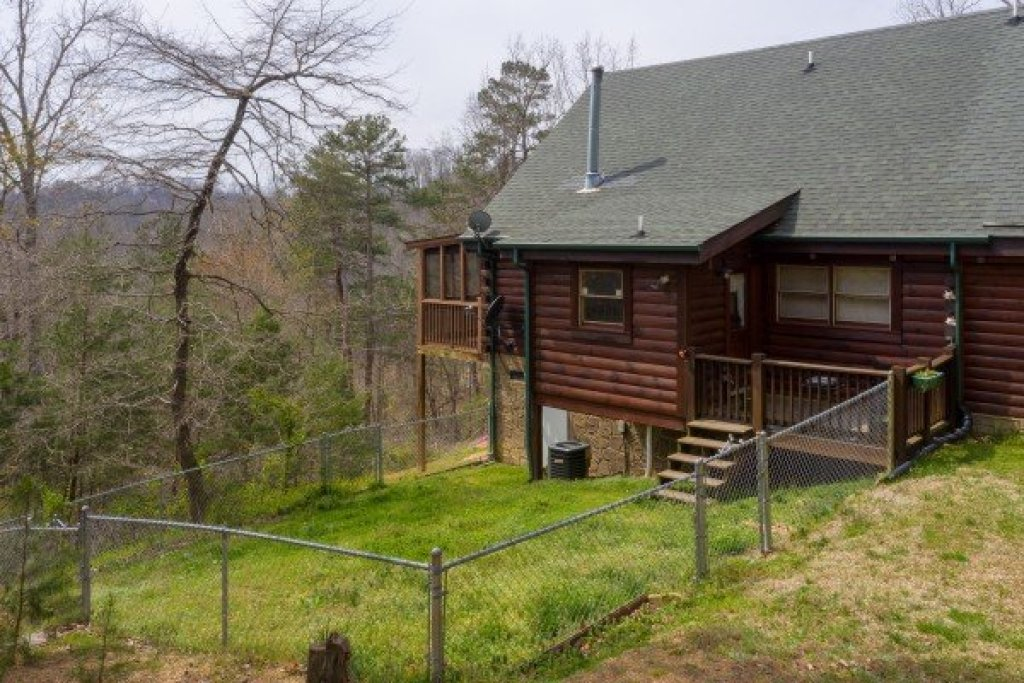Photo of a Pigeon Forge Cabin named Leconte View Lodge - This is the twenty-fifth photo in the set.