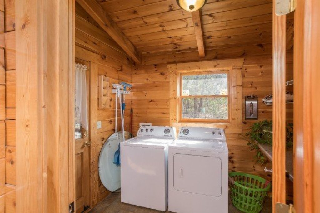 Photo of a Pigeon Forge Cabin named Leconte View Lodge - This is the twenty-third photo in the set.