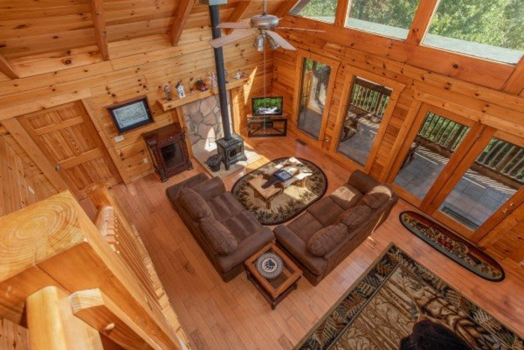 Photo of a Pigeon Forge Cabin named Leconte View Lodge - This is the fifteenth photo in the set.