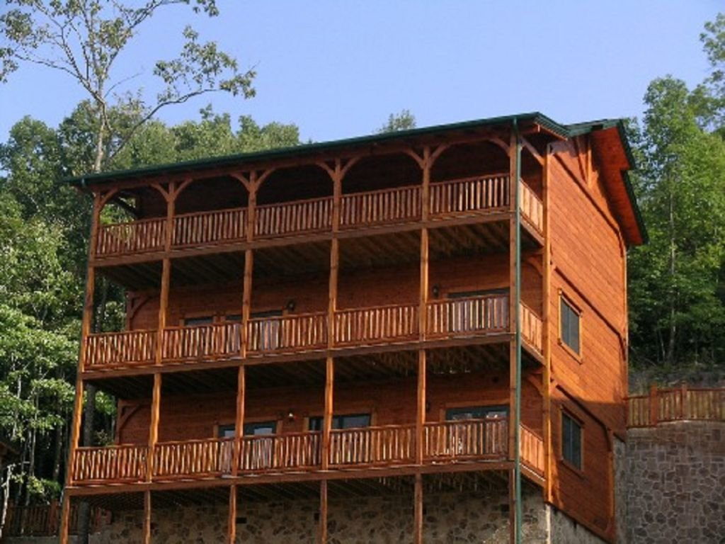 Photo of a Gatlinburg Cabin named Spark Of Life - This is the second photo in the set.