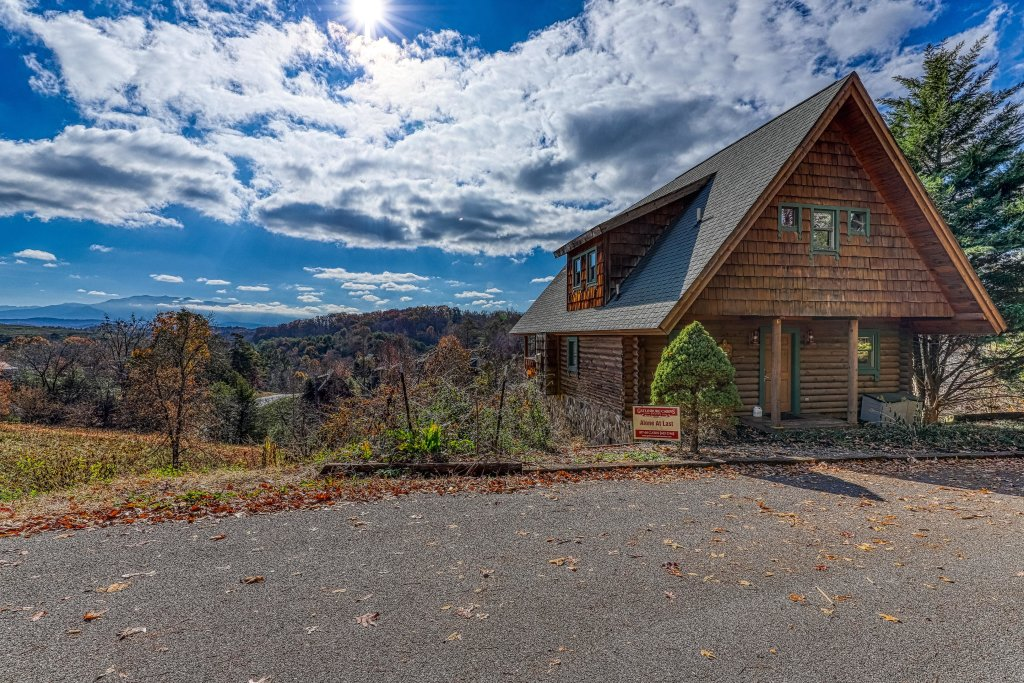 Photo of a Pigeon Forge Cabin named Alone At Last - This is the first photo in the set.