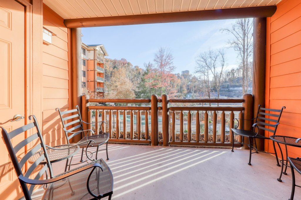 Photo of a Gatlinburg Cabin named Baskins Creek 106 - This is the fifth photo in the set.