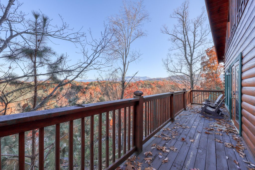 Photo of a Pigeon Forge Cabin named Elegant Escape - This is the eighteenth photo in the set.