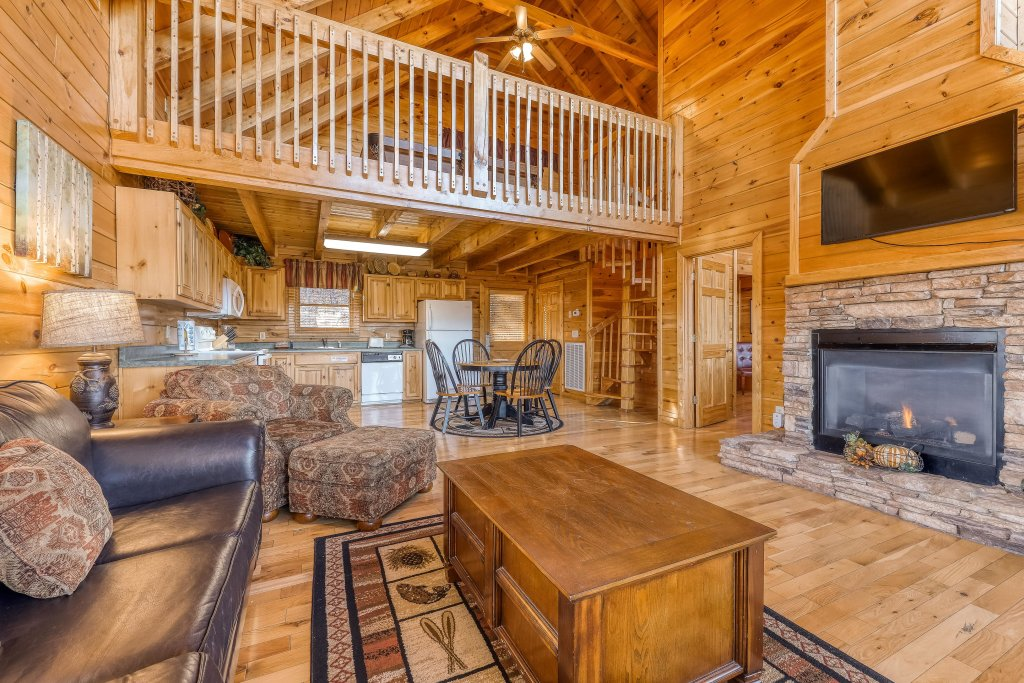 Photo of a Pigeon Forge Cabin named Elegant Escape - This is the first photo in the set.