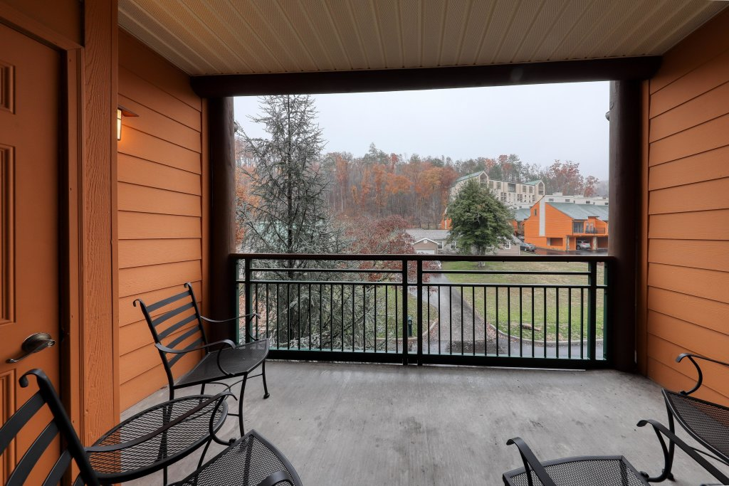 Photo of a Gatlinburg Cabin named Baskins Creek 213 - This is the thirteenth photo in the set.