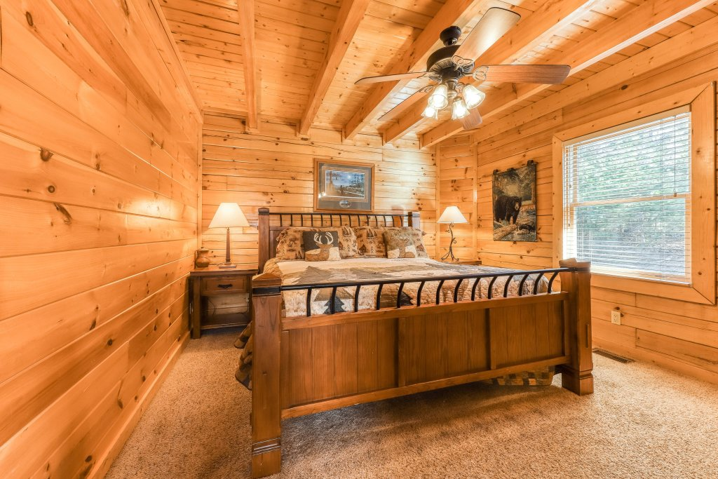 Photo of a Sevierville Cabin named Black Bear Peeks - This is the thirteenth photo in the set.