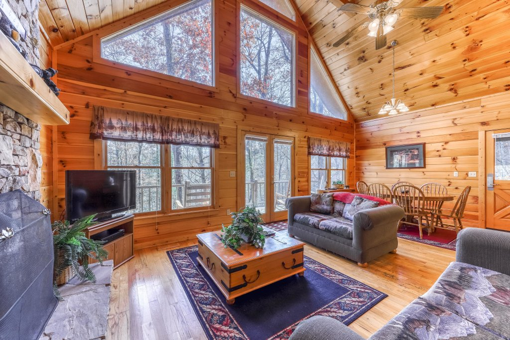 Photo of a Sevierville Cabin named Hickory Hill - This is the fourth photo in the set.
