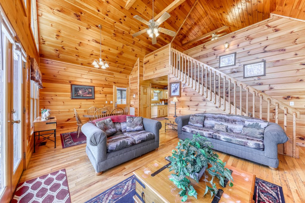 Photo of a Sevierville Cabin named Hickory Hill - This is the fifth photo in the set.