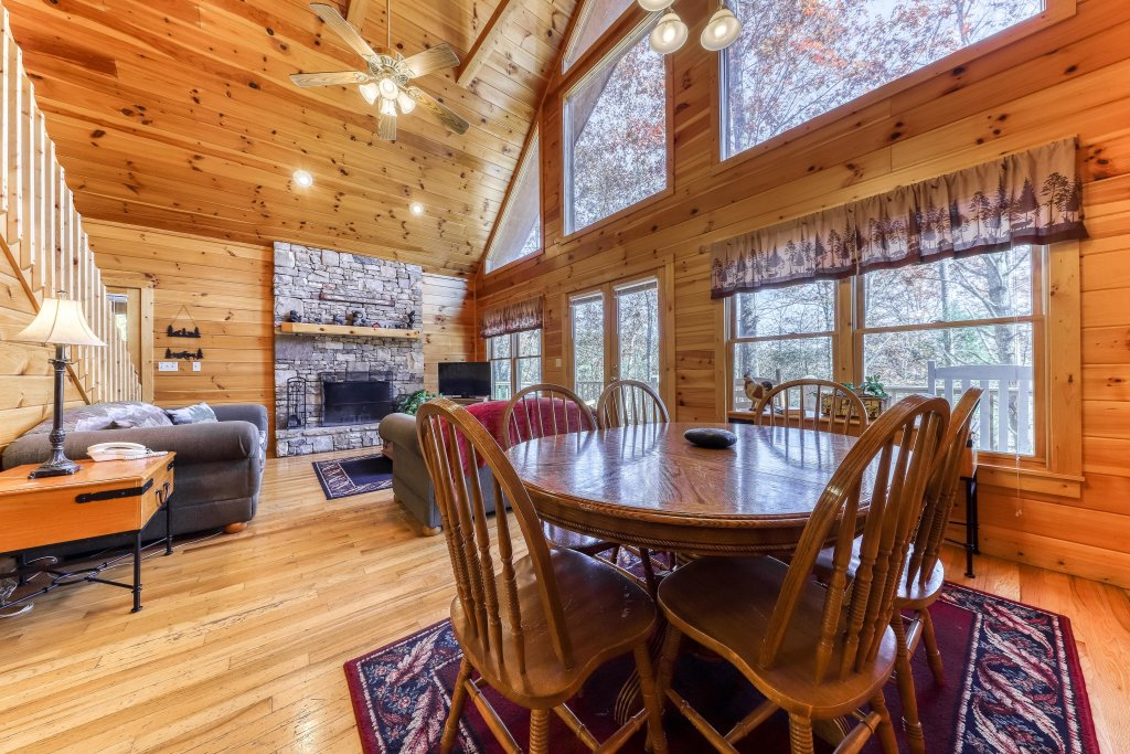 Photo of a Sevierville Cabin named Hickory Hill - This is the sixth photo in the set.